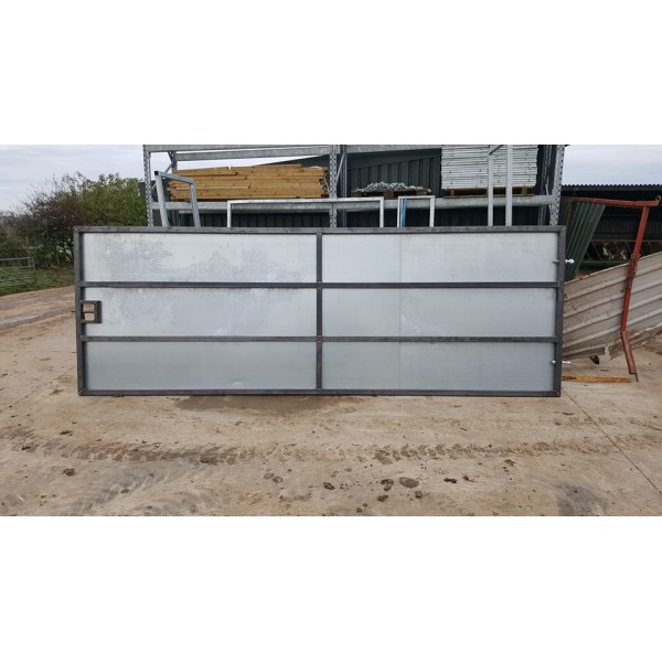 15ft Sheeted Cattle door