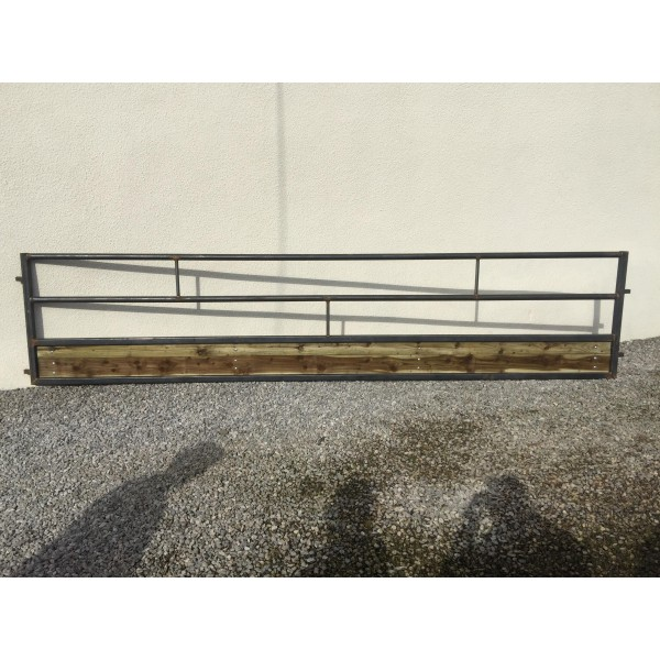 Champion Sheep Feed Barrier with gate